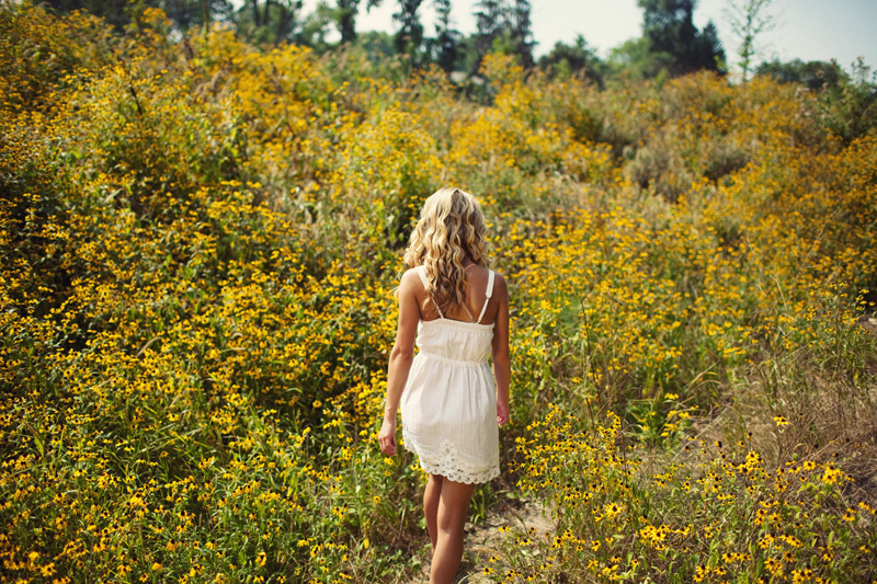 Nature Vintage Senior Girl Portrait Photography